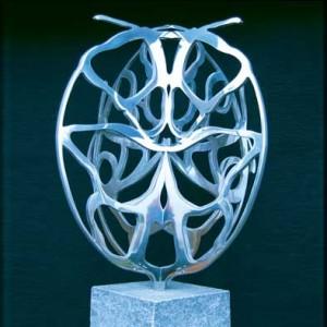 Bente-Polano-Sommerfugle-skulptur-i-staal