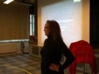 Tine Raahauge. Foredrag om frygt og stress. Vemmelev Skole.  Foto: Jette Hallig