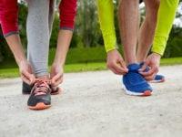 Foto: Lisbeth Skøttergaard, motion lige straks, løbeskoene bliver snøret.