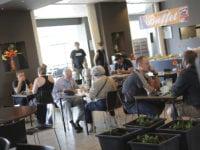 I Café Antvorskov 39. Indendørs.