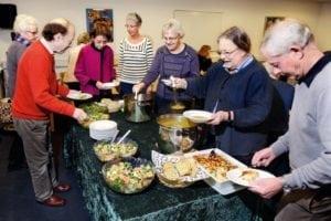 Ensommes Vel og Ældresagen har fællesspisning også i Dalle Valle og Det Røde Pakhus, Skælskør.