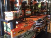 Cobi Small Army er samlesæt af militære køretøjer og legetøj for større børn. Panzermuseum East sælger dem til gode priser.